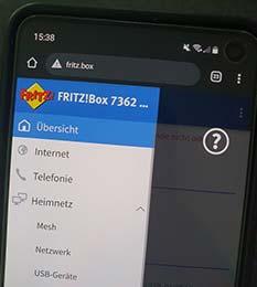 Responsive moderne Benutzeroberfläche der FritzBox auf einem Smartphone